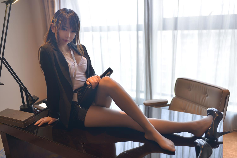 雪琪SAMA – 白嫩萝莉萌杀你心-第1张图片-深海领域