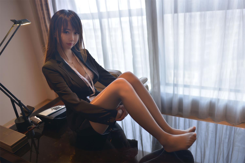 雪琪SAMA – 白嫩萝莉萌杀你心-第2张图片-深海领域