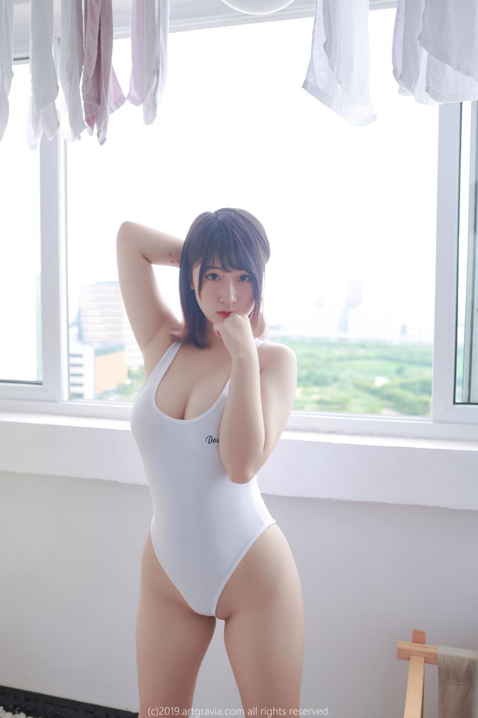 猫九酱Sakura – 童颜巨乳女主播写真合集下载